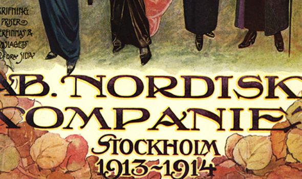 Del av omslag till AB Nordiska kompaniets varukatalog 1913-14. Dammode. Från Nordiska Museets arkiv.