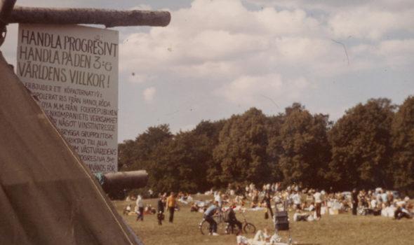 Foto från Solidarisk Handels fest på gärdet 1970. Källa: Solidarisk Handels arkiv hos Centrum för Näringslivshistoria.