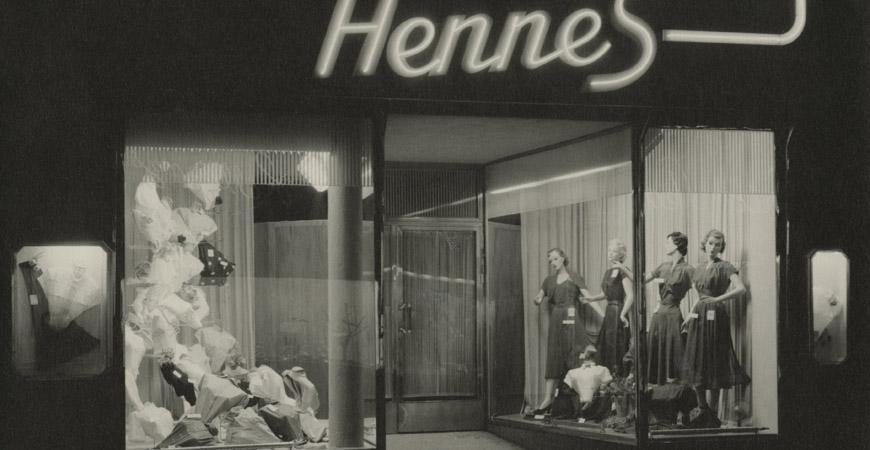 Exteriör från butik, skyltfönster, Hennes, 1950-tal