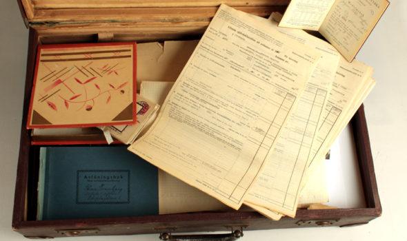 Antikvitetshandlarens koffert från 1956. Ur Stina Swanbergs Antikvitetsaffär:s arkiv hos Centrum för Näringslivshistoria.